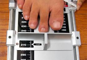 加重状態で足サイズを測定